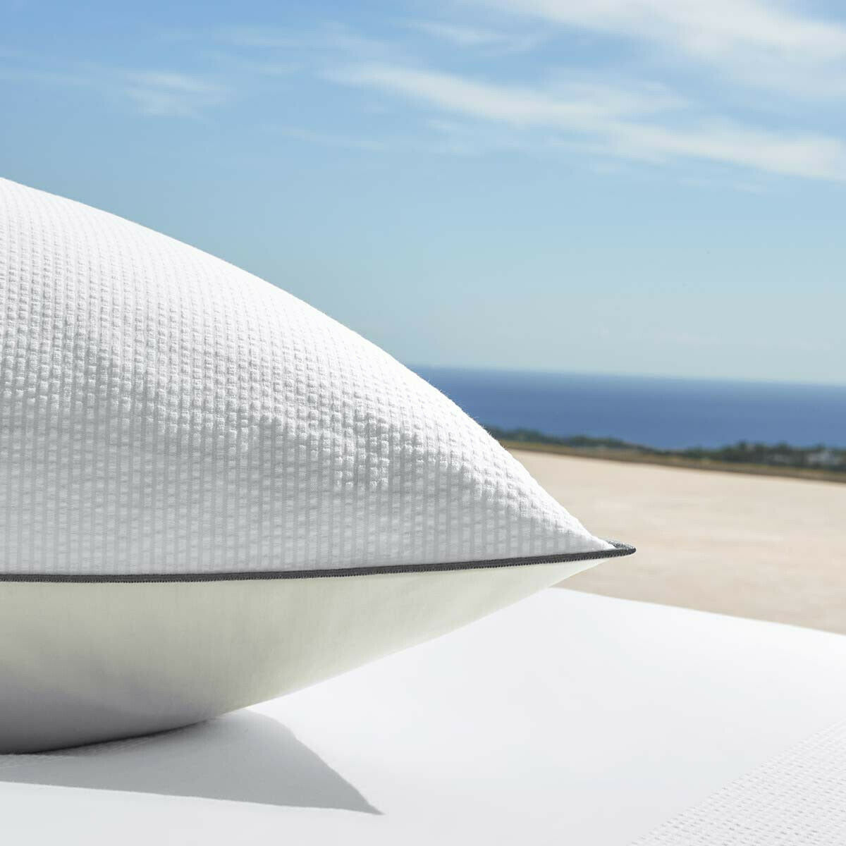 HUGO BOSS PAROS COTTON SATEEN PILLOW SHAM WITH NACRE PIPED FINISH