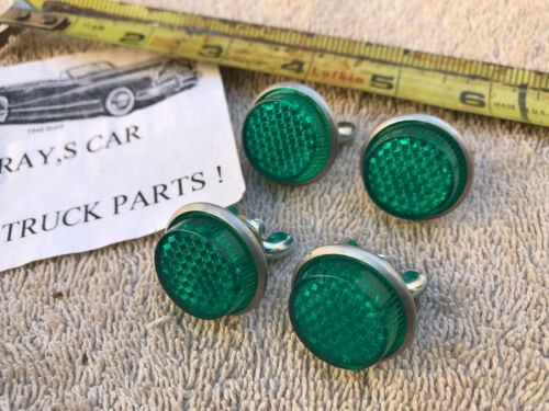 NEW SET 4 OF VINTAGE STYLE GREEN REFLECTOR LICENSE PLATE FASTENERS !