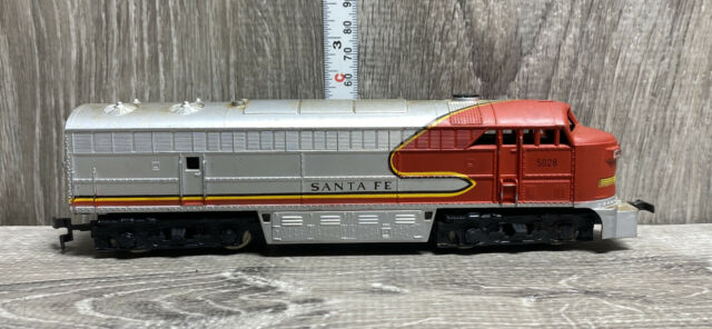 Ahm Tempo Santa Fe 5028 Diesel Locomotive Ho Scale For Sale Online