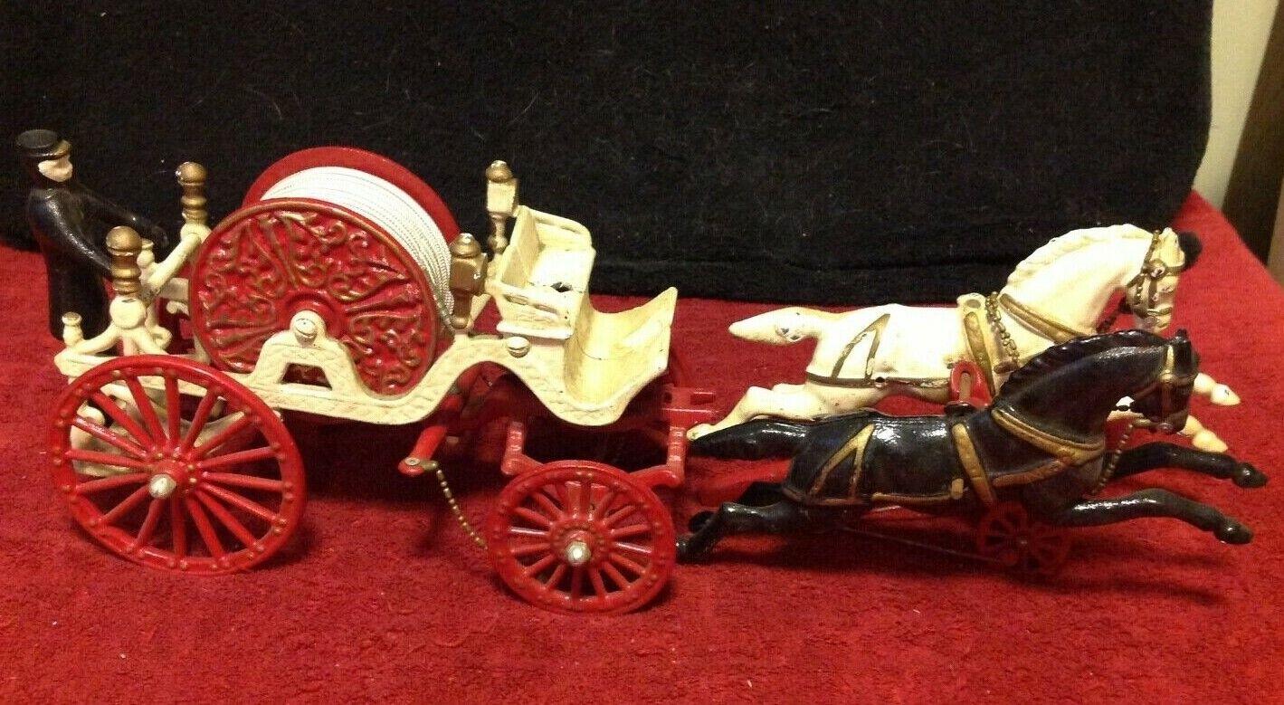 VERY VERY VERY RARE Antique Cast Iron Fireman Wagon Fire Hose Truck Bell Horse Hubley bd8