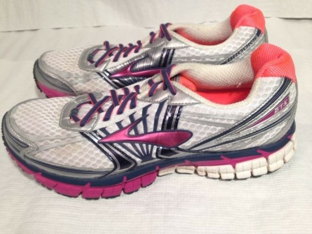 Women's Brooks running shoes , GTS 14 Adrenaline ,size 11 , excellent condition
