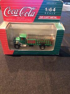 Vintage-1991-Mack-BM-Coca-Cola-Collectibles-Die-Cast-Bottle-Truck-1-64-Scale