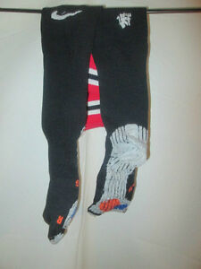Manchester-United-Football-Match-Worn-10-11-Socks-Size-4-7-bi