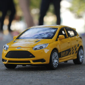 1-32-Scale-Ford-Focus-ST-Sound-amp-Light-Diecast-Pull-back-Toy-Car-Model-For-Child