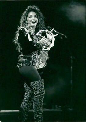 Gloria Estefan  B//W   8x10 Glossy Photo