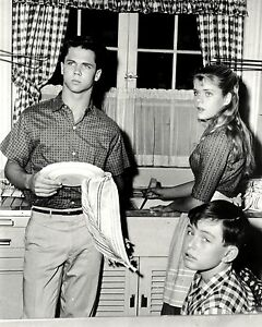 """FB-376 JERRY MATHERS AND TONY DOW IN /""""LEAVE IT TO BEAVER/"""" 8X10 PUBLICITY PHOTO"""