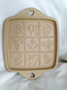 Brown-Bag-Cookie-Art-Shortbread-Flowers-amp-Berries-Pan-Mold-Bakeware-1988-Retired