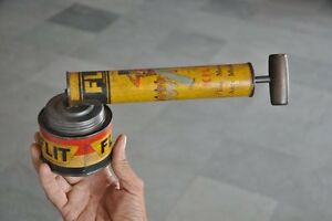 Vintage-Flit-Insecticide-Ad-Litho-Tin-Spray-Pump-USA