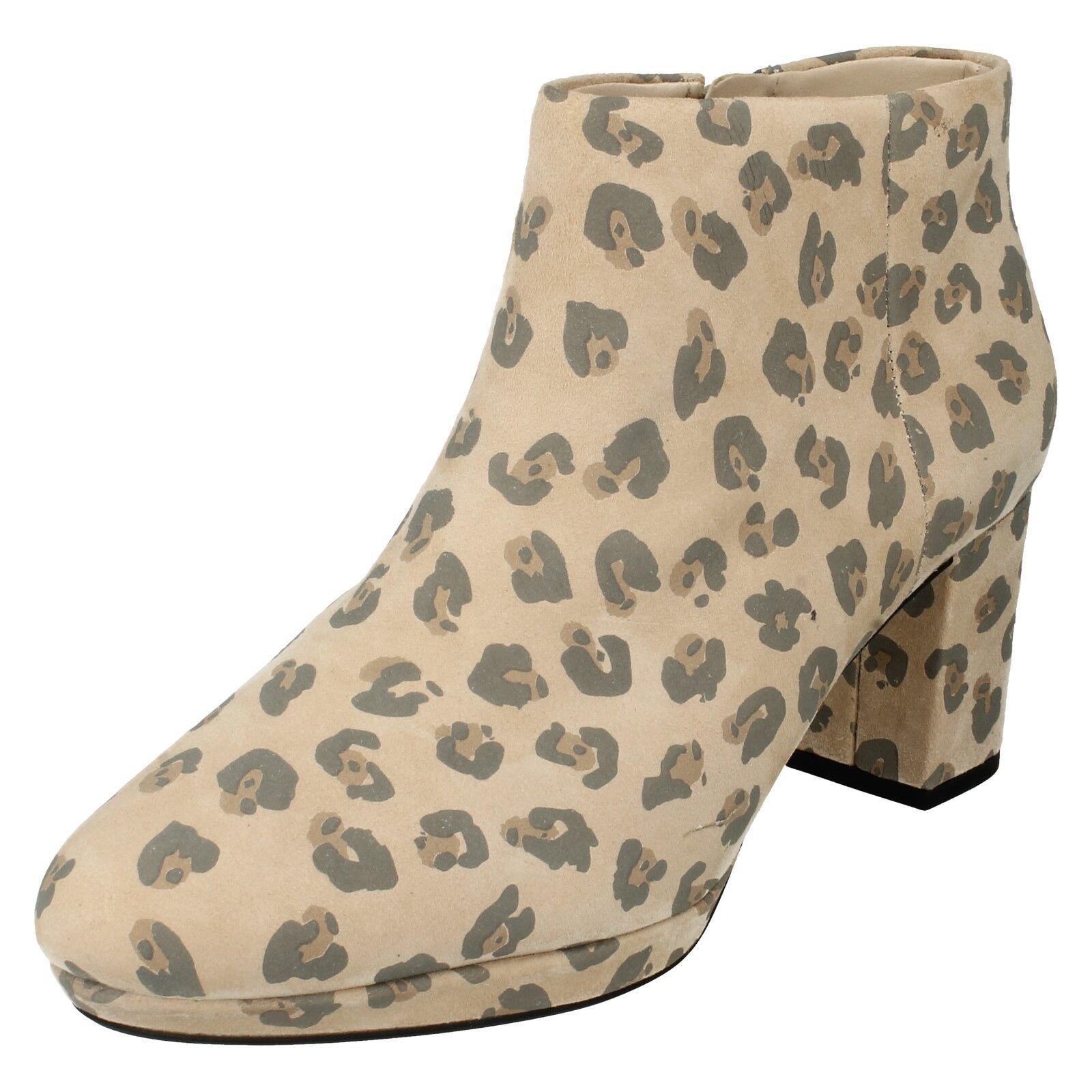 Clarks Mujer Cuero Tacón en Bloque Estampado Leopardo Botines plataforma Kelda