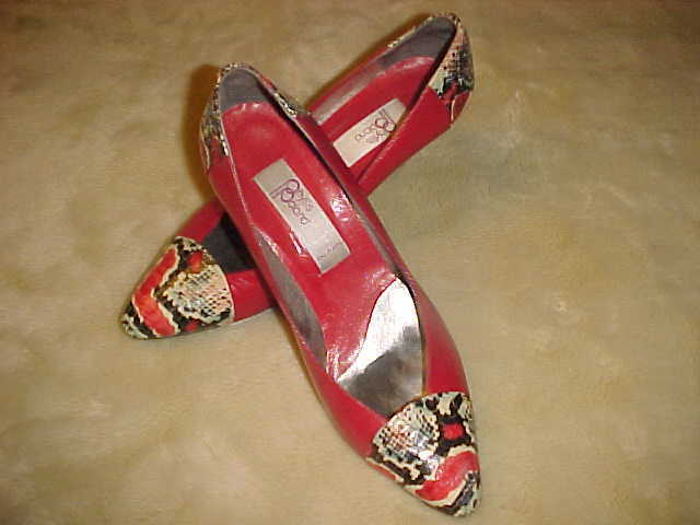 WOMENS LADIES VINTAGE PHYLLIS POLAND RED PUMPS WITH SNAKE ACCENT SIZE 8 1/2 B