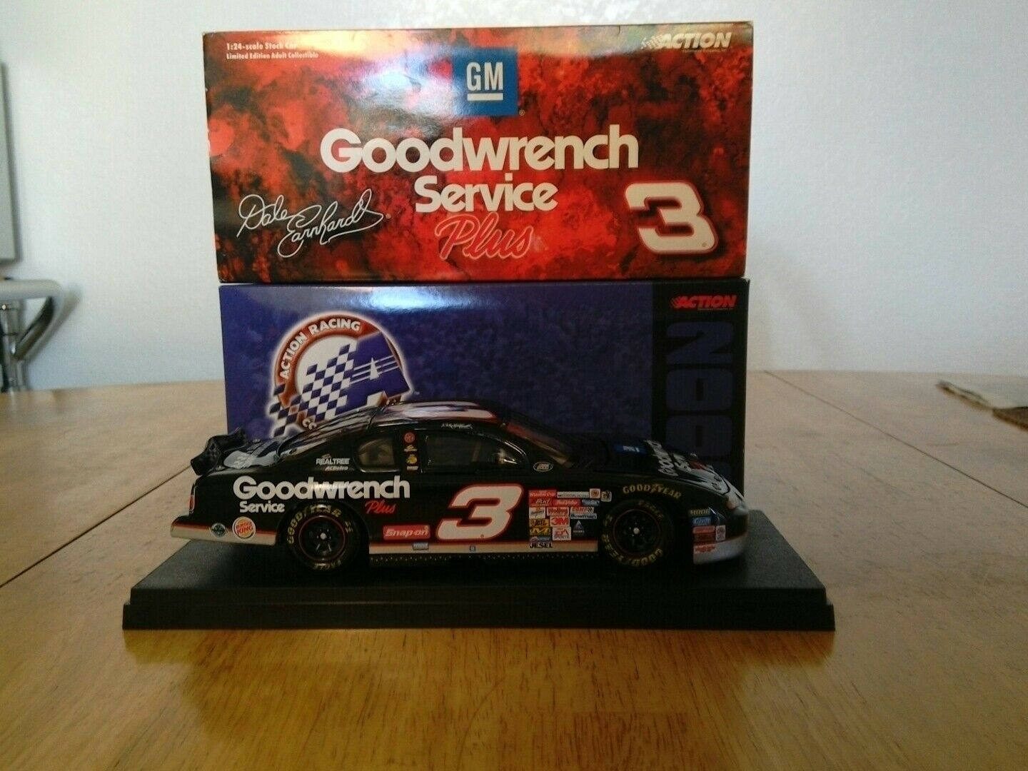 Dale Earnhardt sr  3 GM Goodwrench Service Plus 2000 Monte Carlo 1 of 34,992