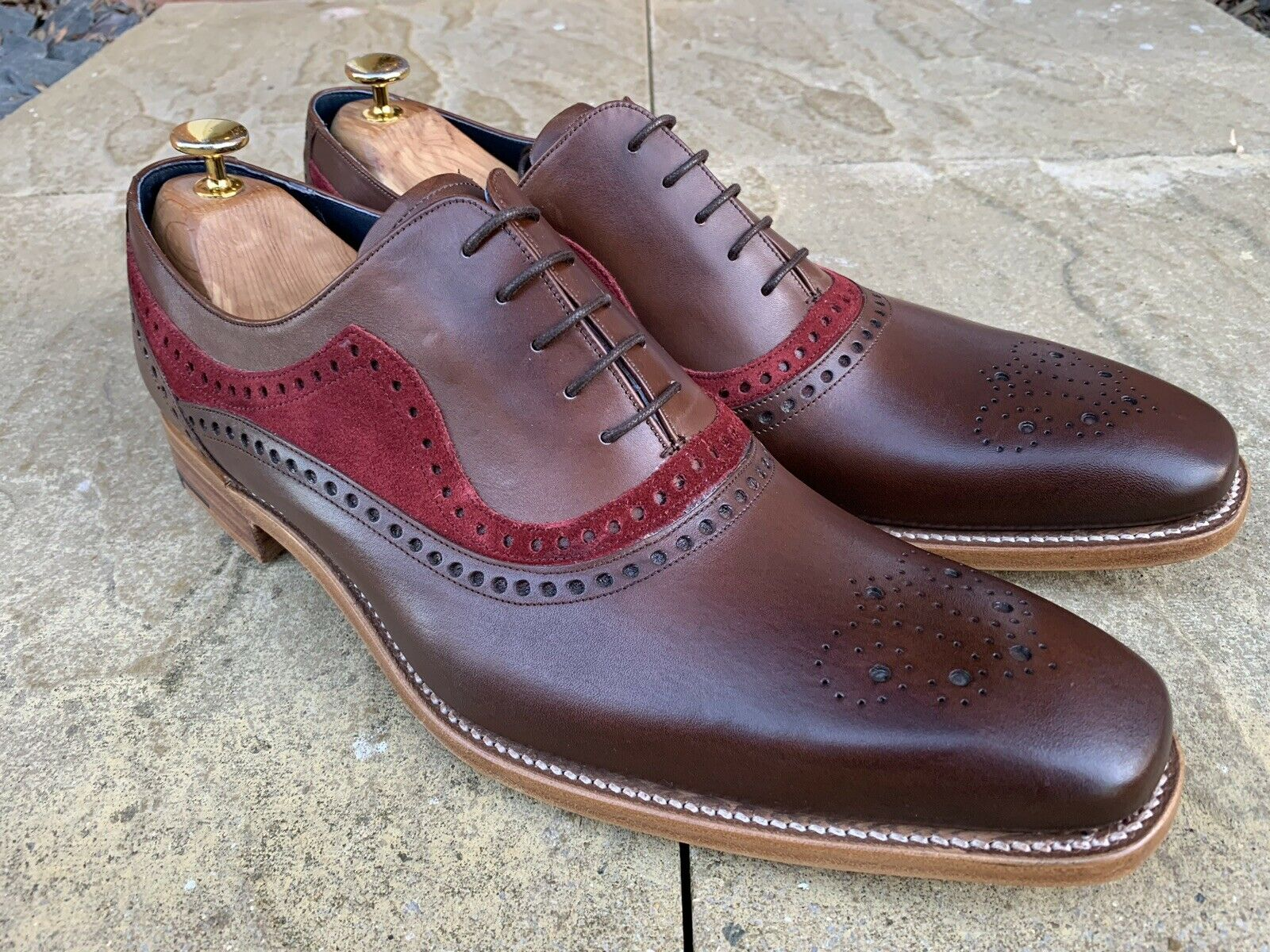 Barker Brandon Brogue Zapatos Nogal Burg Pantorrilla UK 11 nos 12 Ganga