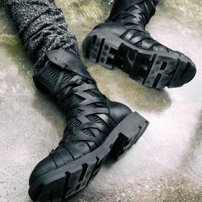 Hombres negros con cordones Punk británico Motocicleta Alta Top zapatos militar Chukka botas B @
