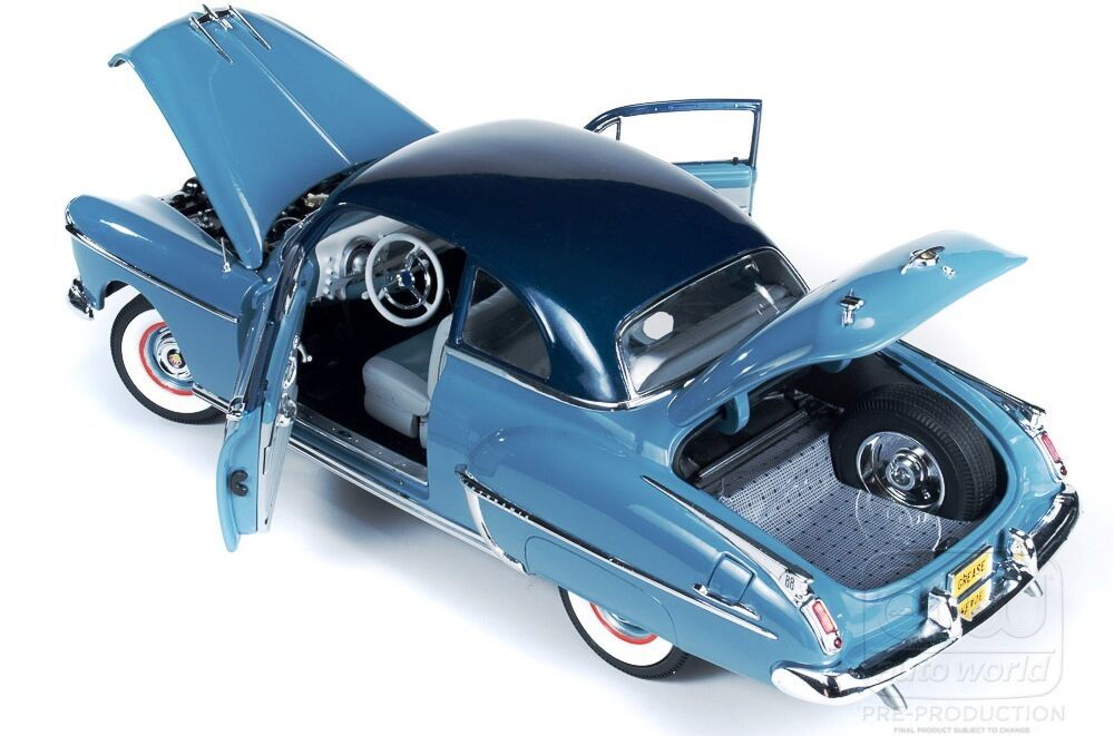 1950 Oldsmobile Rocket 88 in two-tone Blau GREASE 1 18 Auto Welt 103