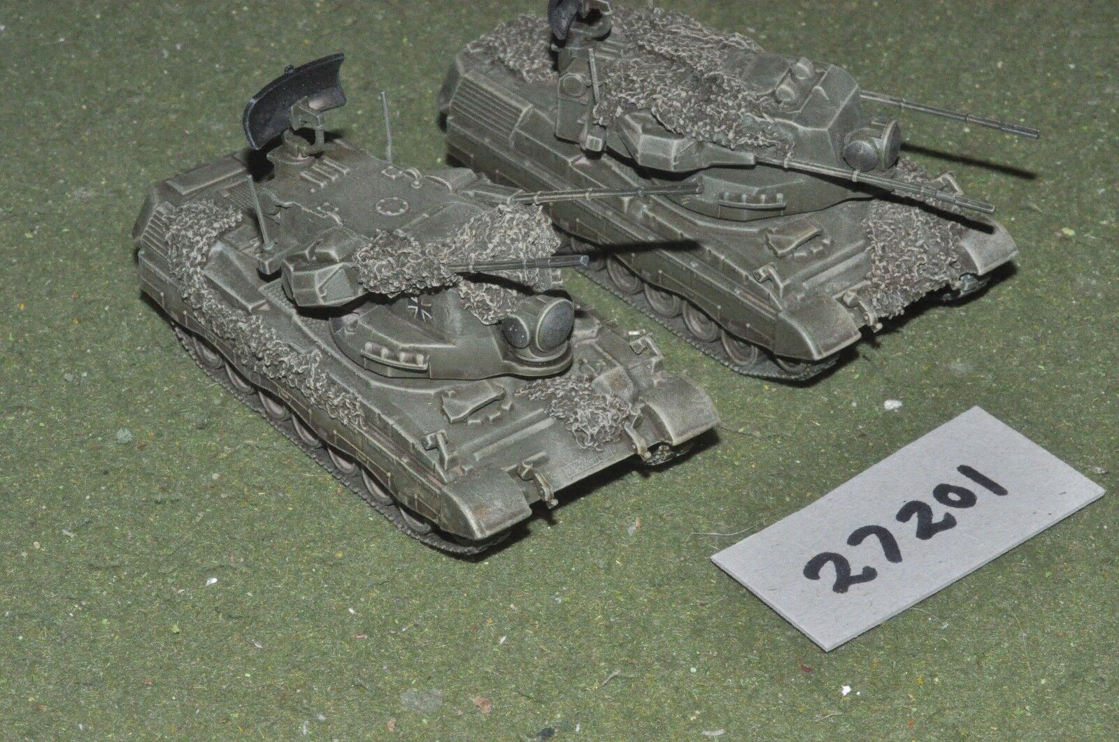 20mm modern   german - 2 tanks - vehicles (27201)