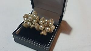 Imitation-pearl-clusters-vintage-Art-Deco-antique-clip-earrings