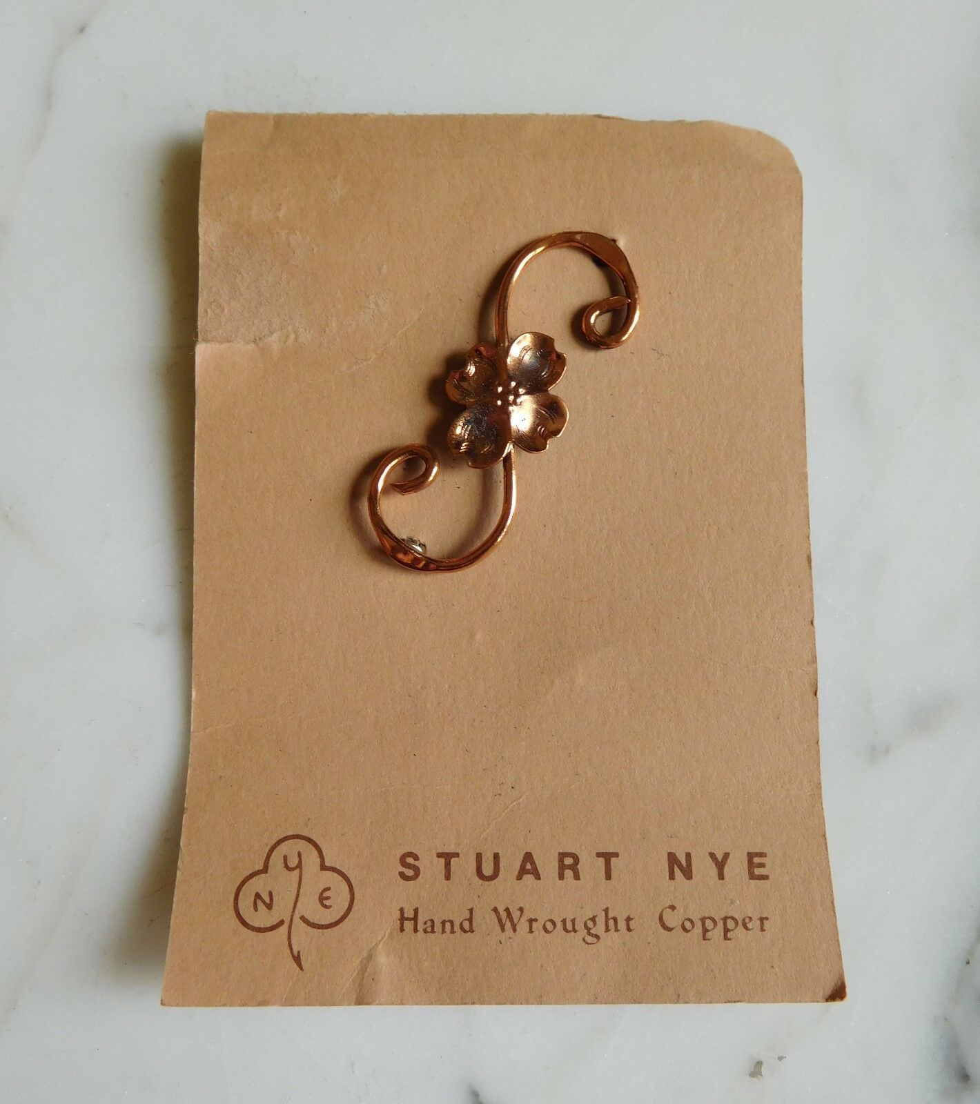 VINTAGE SIGNED STUART NYE DOGWOOD FLOWER COPPER BROOCH on CARD