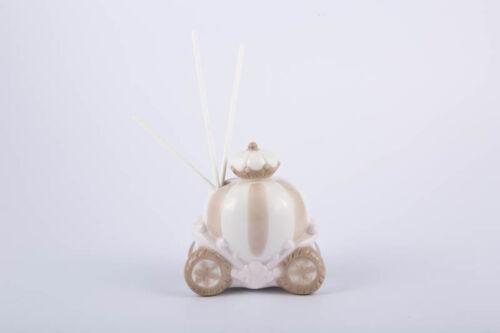 Bomboniere Wedding profumatore carriage porcelain