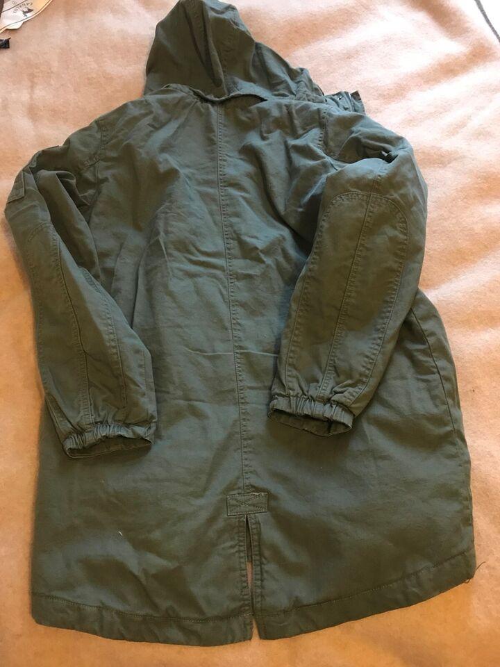 Jakke, En ny jakke, H&M