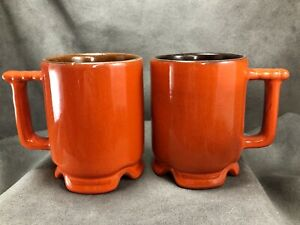 TWO-Vintage-Frankoma-Pottery-C1-Lazy-Bones-Flame-Red-Orange-Footed-4-034-Mugs-Cups