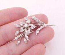 18ct gold 3/4ct diamond brooch, flower heavy 7.3 grams