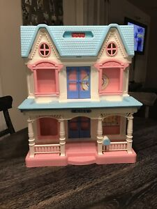 Vintage-Fisher-Price-Loving-Family-Folding-Dollhouse-Doll-House-6364-GREAT-Shape