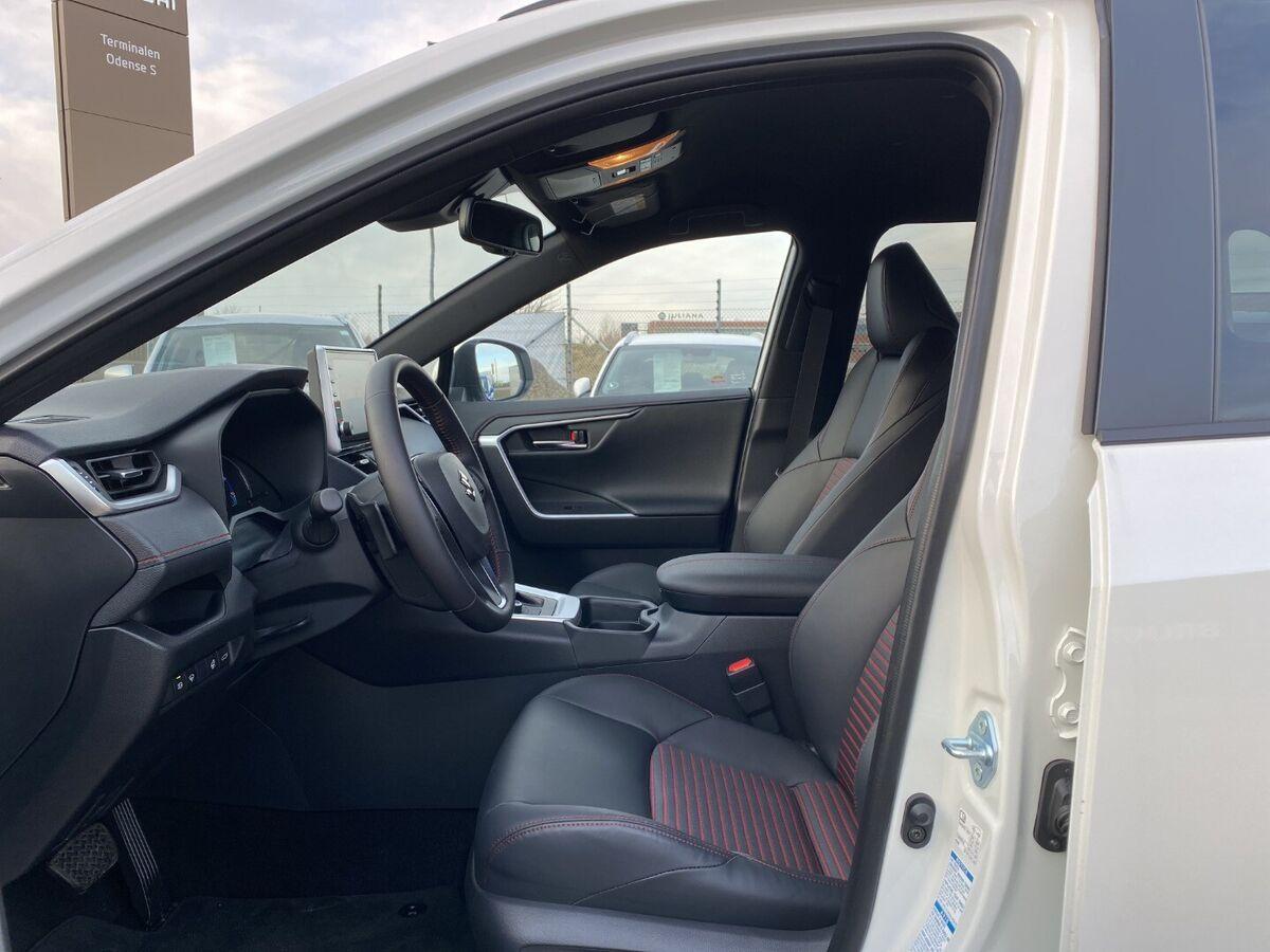 Suzuki Across PHEV Adventure e-CVT