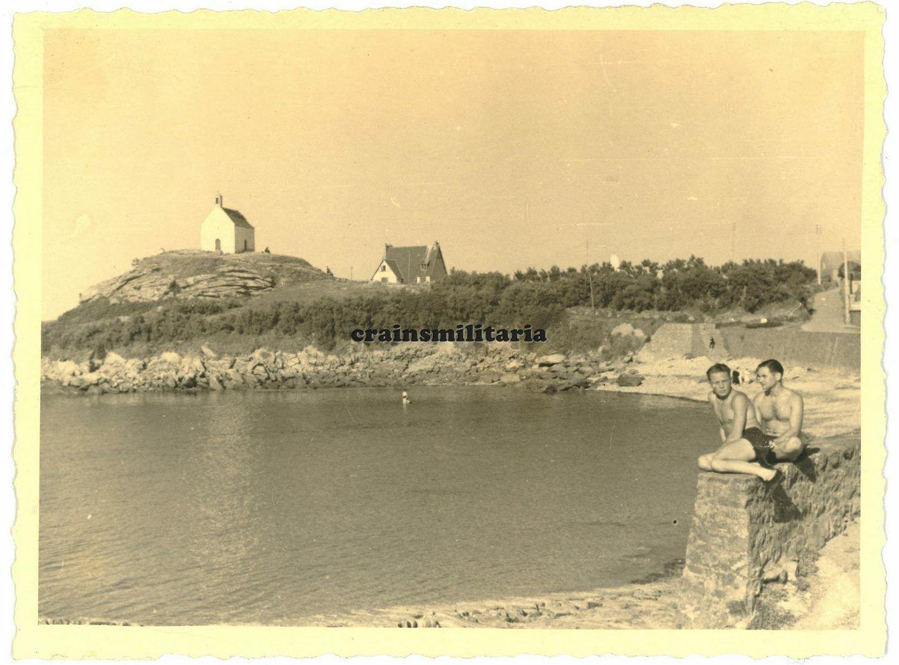 Roscoff et sa chapelle Ste Barbe S-l1600