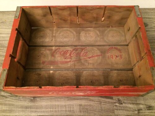 #72 Vintage 1973 Red Coke Coca Cola Wood Soda Pop Case Crate Nice Graphics!