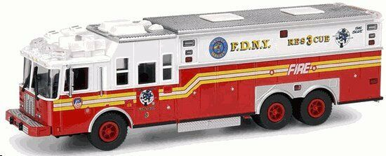 VERY RARE AND HARD TO FIND Code 3 FDNY Saulsbury Heavy Rescue 3   12701
