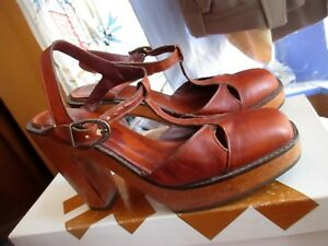 ba3068af63c Details about 7M Vtg 70 s Wood PLATFORM Sandals High Heel Peep Toe BARE  TRAPS Leather Shoes