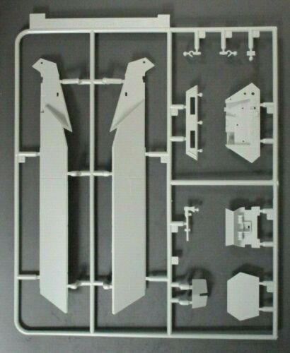DRAGON 135 Scale Sd.Kfz.25117 w2cm Flak Parts Tree B from Kit No. 6292