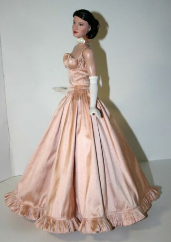 """Dance with Me Gown Clothes Sewing Pattern 16.5/"""" RTB101 Body Claire Rayne Tonner"""