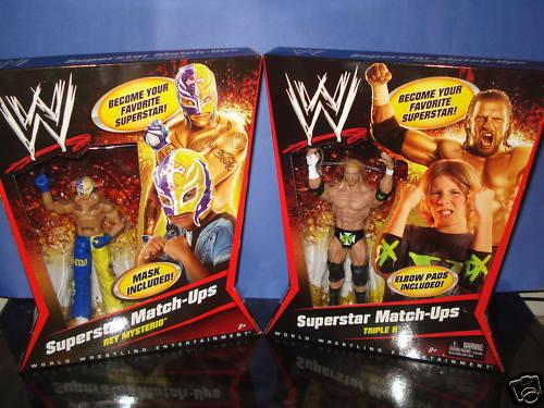 WWE SUPERestrella MATCH UPS - REY MYSTERIO & DX TRIPLE H