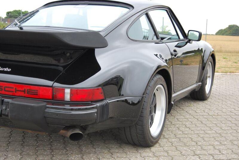 Porsche 911 Turbo - 18