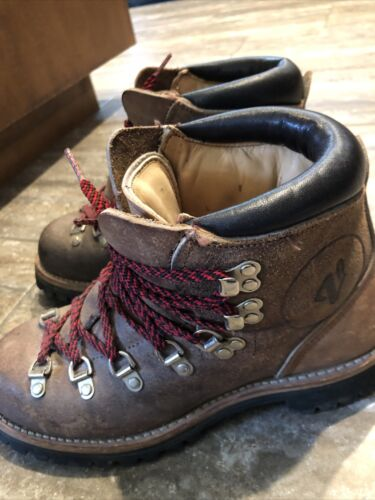 US8.5 Vintage Rugged Leather Caber Brown Wild Life Hiking Boots Trail Boots Womens size EU39  US8.5  UK6.5