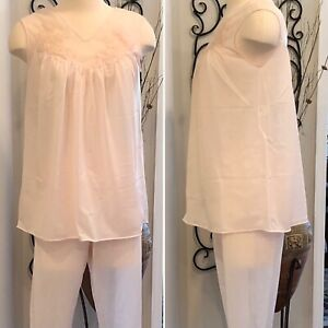 Vintage-Sans-Souci-Womens-2-Piece-Pajama-Set-Pale-Pink-Nylon-Size-34