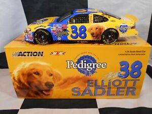 ELLIOTT-SADLER-38-PEDIGREE-1-24-ACTION-2003-NASCAR-DIECAST