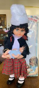 Doll-Of-The-Nations-Musical-Doll-19-034-Figure-with-Baby-Doll-Musical-Wind-Up-Doll