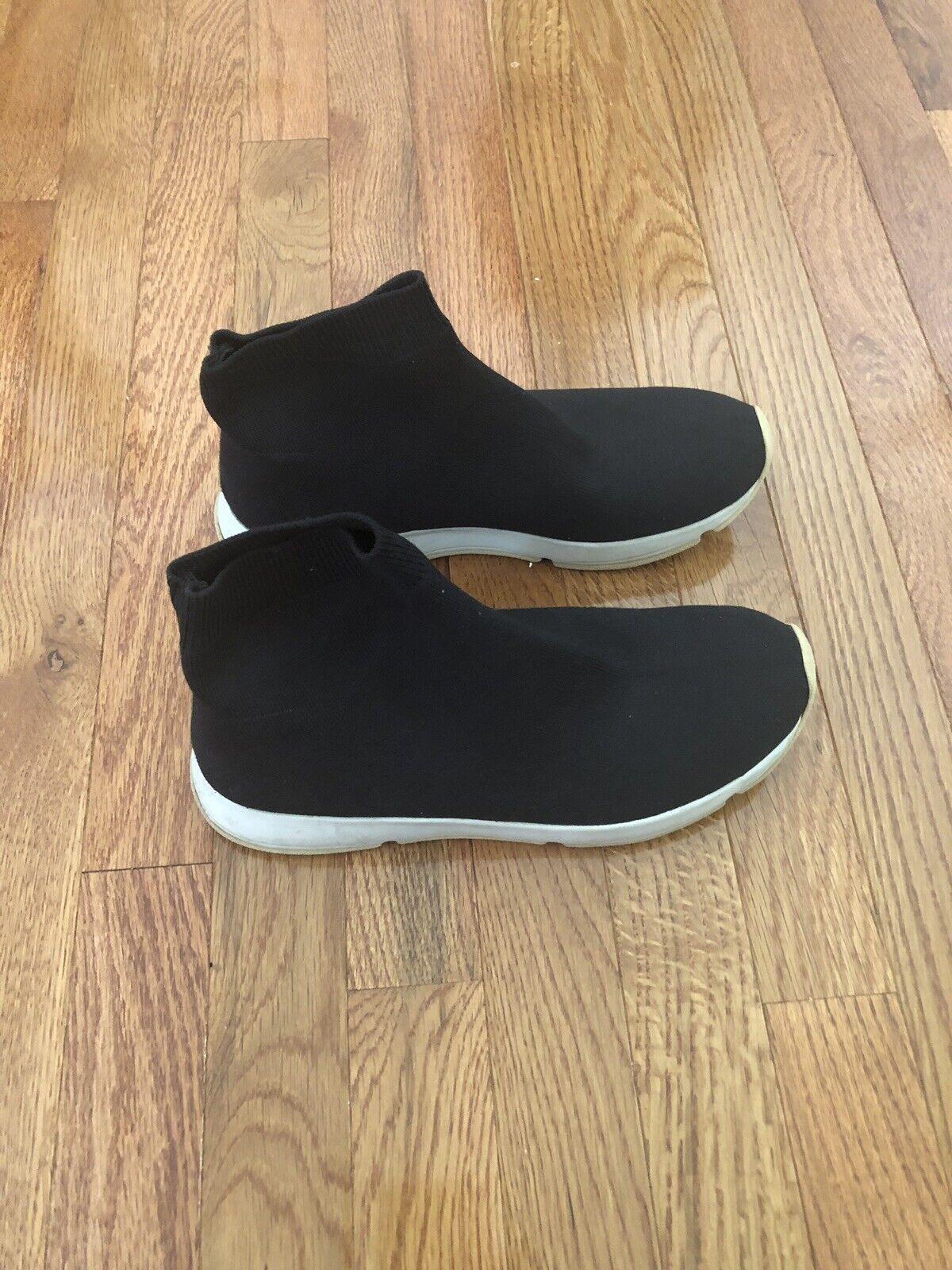 Vince Abbot Knit Sneaker Size 6 Blue