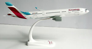 Eurowings-Airbus-A330-200-1-200-Herpa-Snap-Fit-611008-001-Flugzeug-Modell-A330