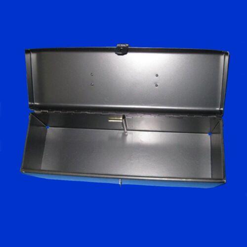 John Deere Werkzeugkiste für original Aufnahme mit Sicherungsbolzen RE275592