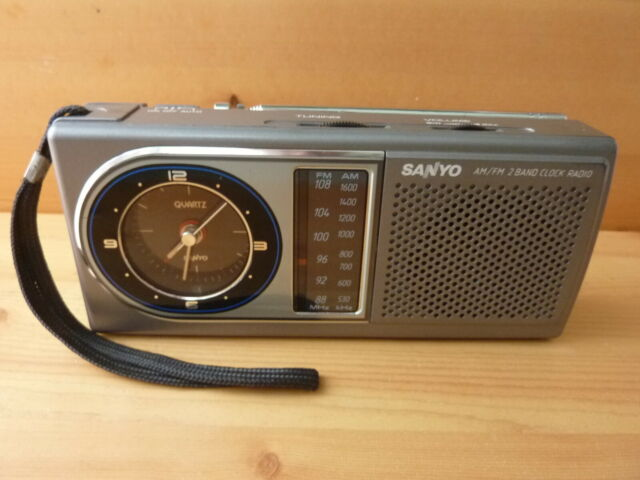 SANYO RPM-C5 AM FM quartz clock radio compact very clean great working condition