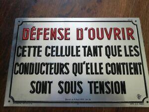 Rare-plaque-tole-relief-20X30-DEFENSE-d-039-OUVRIR-CETTE-CELLULE-SOUS-TENSION