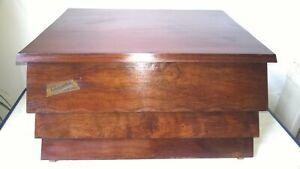 Coffre en bois palissandre pour ménagères de couverts