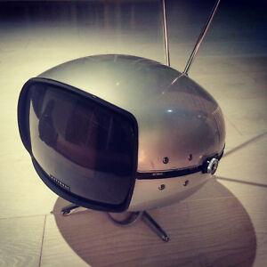 Vintage-1970s-Panasonic-Orbitel-TR-005-TV-TELEVISION-SPACE-AGE-Helmet-tele-70