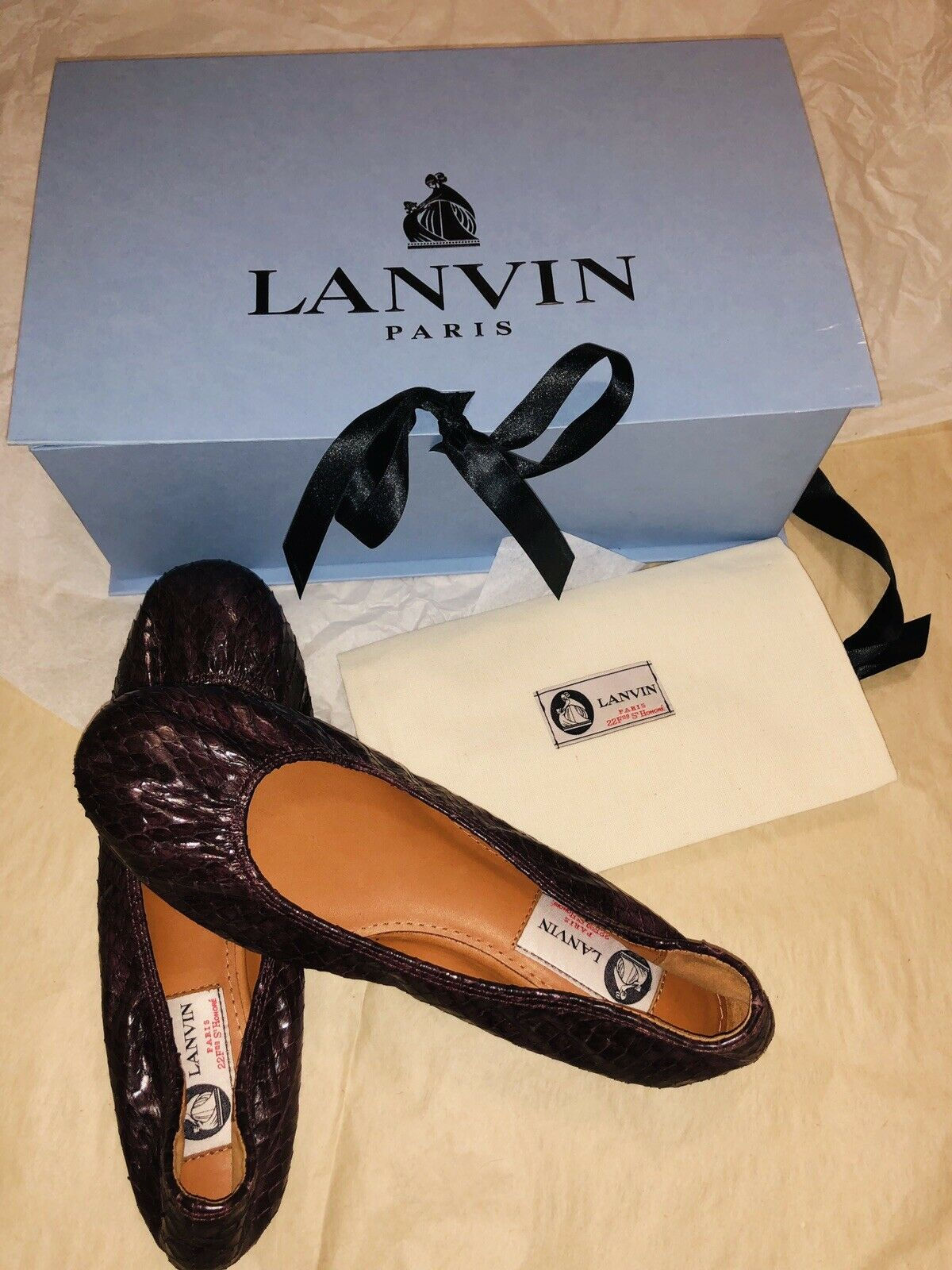 New LANVIN Snake Skin Ballet Flats, Size 37 , 7 shoes.
