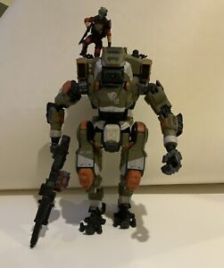 """Titanfall 2 BT-7274 Articulated figure with 3"""" Jack Cooper ..."""