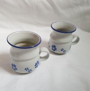 MOVILLE-Irish-STUDIO-POTTERY-Set-of-2-BLUE-SHAMROCK-Flower-MUGS-New