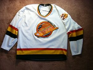 1990-91-CCM-NHL-HOCKEY-VANCOUVER-CANUCKS-REPLICA-HOME-JERSEY-SWEATER-20-YEARS